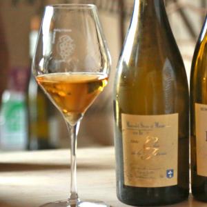 Le vin est un vecteur de convivialité et d'échange.